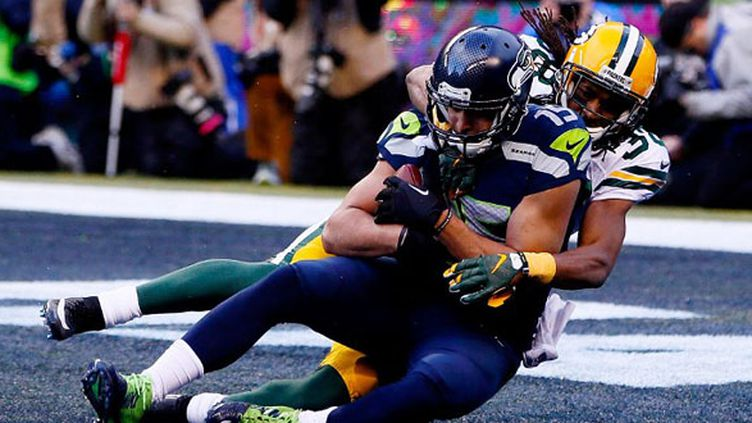 Jermaine Kearse (Seattle Seahawks) capte le touchdown de la victoire face aux Packers (KEVIN C. COX / GETTY IMAGES NORTH AMERICA)