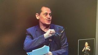 Olivier Py lors de la conférence de presse du Festival d'Avignon le 24 mars 2021 (Capture d'écran)
