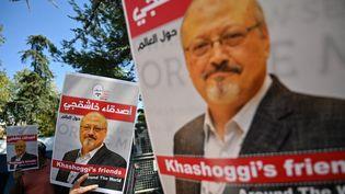 Manifestation de soutien au journaliste saoudien Jamal Khashoggi, à Istanbul en Turquie, le 2 octobre 2020. (OZAN KOSE / AFP)