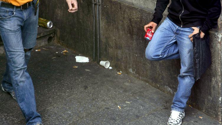 """Selon le président de la Confédération des buralistes, Toulouse """"est la capitale du marché parallèle du tabac avec Paris"""", ici dans le 18e arrondissement. (MAXPPP)"""