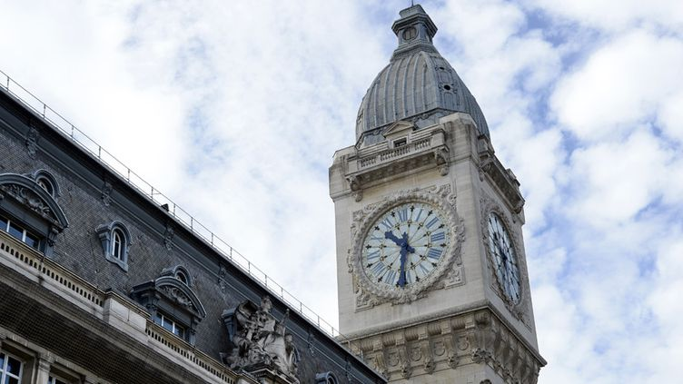 L'horloge de la gare de Lyon, à Paris  (Bertrand Guay / AFP)