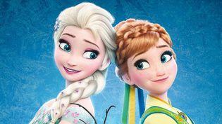 """Anna et Elsa, les deux soeurs de """"La reine des neiges"""" reviennent dans le court-métrage """"Une fête givrée"""".  (The Walt Disney Company / France)"""
