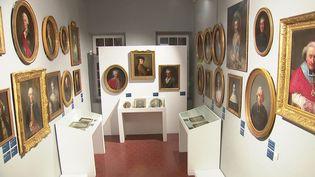 L'art du portrait, une exposition visible au palais Lascaris à Nice. (FRANCEINFO)