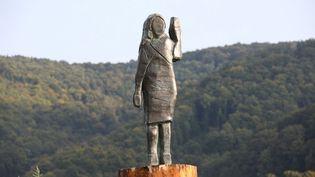 La statue représentant Melania Trump, le 15 septembre 2020 à Sevnica en Slovénie. (ALES BENO / ANADOLU AGENCY / AFP)