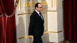 Le président de la République, François Hollande, s'exprime à l'Elysée, le 30 mars 2016. (STEPHANE DE SAKUTIN / AFP)