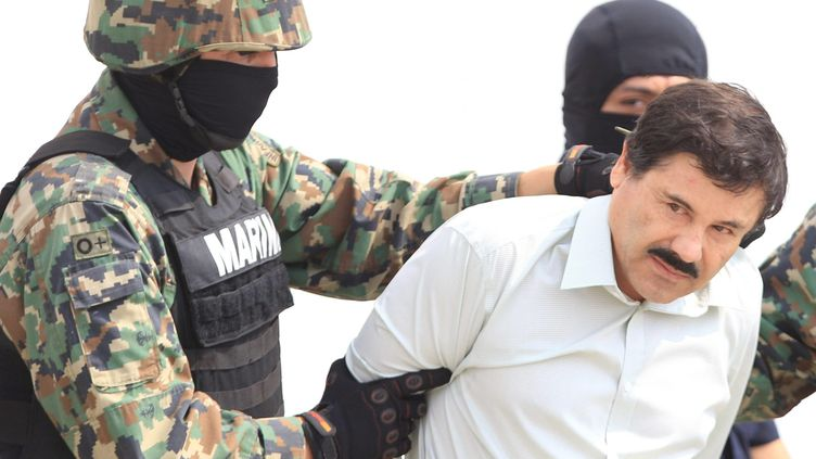 "Le baron de la drogue Joaquin ""El Chapo"" Guzman lors de son arrestation le 22 février 2014 à Mazatlan, dans l'Etat mexicaindu Sinaloa. (  MAXPPP)"