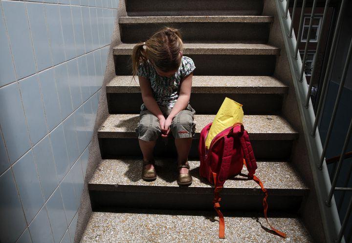 """En France, """"il est permis d'isoler de ses camarades, momentanément et sous surveillance, un enfant difficile"""", selon une circulaire de 1991. (ROOS KOOLE / ANP / AFP)"""