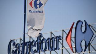 L'enseigne d'un magasin Carrefour à Montpellier (Hérault), le 28 mars 2019. (PASCAL GUYOT / AFP)
