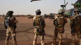 Un détachement de soldats français au Mali, le 2 janvier 2015. (DOMINIQUE FAGET / AFP)