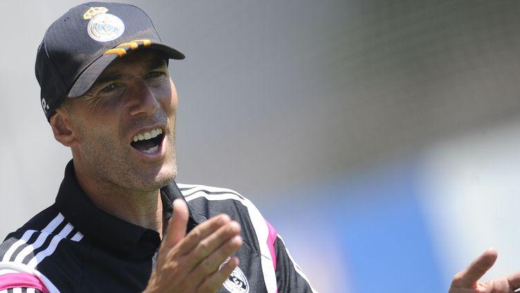 Zinedine Zidane, actuellement entraîneur de Castilla, la réserve du Real Madrid. (PEDRO ARMESTRE / AFP)