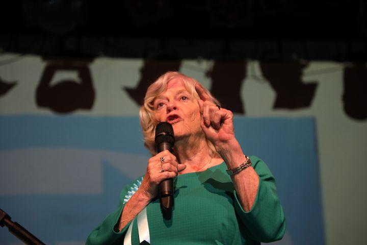 La tête de liste aux élections européennes dans la circonscription du sud-ouest du Royaume-Uni, Ann Widdecombe, à Gloucester, le 22 mai 2019. (MARIE-ADELAIDE SCIGACZ / FRANCEINFO)