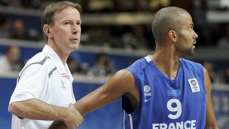 Vincent Collet et Tony Parker.  (JANEK SKARZYNSKI / AFP)
