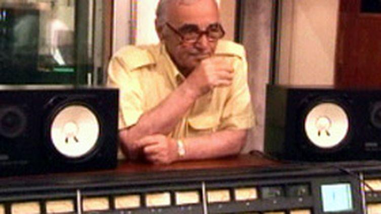 Charles Aznavour, en studio à La Havane (France 2)