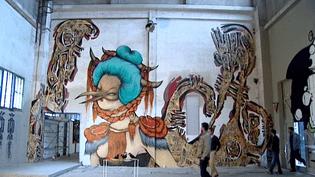 """"""" Mister Freeze"""" à Toulouse, le street art qui réchauffe les murs du 50Cinq et du Frigo  (France 3 / Culturebox)"""