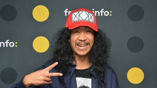 L'humoriste franco-cambodgien Bun Hay Mean. (RADIO FRANCE / JEAN-CHRISTOPHE BOURDILLAT)