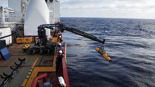 Les opérations de recherche des débris du MH370, ici prises en photo le 14 avril 2014 au large de l'Australie, reprendront à la mi-septembre. (MC1 PETER D. BLAIR / US NAVY)