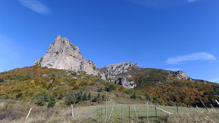 Le mont Bugarach, dans l'Aude, le 7 novembre 2012. (ERIC CABANIS / AFP)