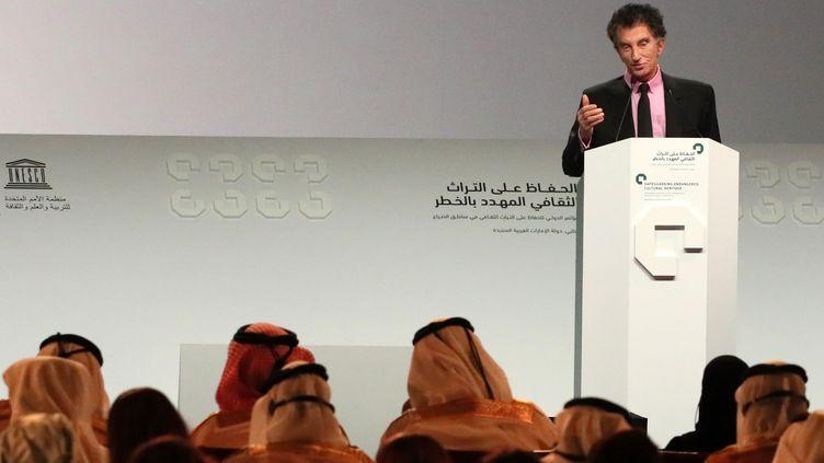 Jack Lang à la conférence pour la préservation du patrimoine de l'humanité à Abou Dhabi, le 1er décembre 2016  (Karim Sahib / AFP)