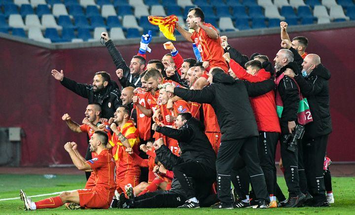 Lasélection de Macédoine duNord après sa qualification historique pour l'Euro, le 12 novembre 2020 (VANO SHLAMOV / AFP)