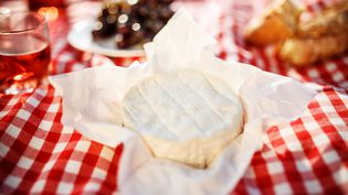 Le camembert a ses inconditionnels et ses détracteurs... (Illustration) (GUIDO MIETH / MOMENT RF / GETTY IMAGES)