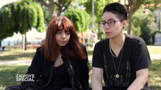 """""""Ça veut dire que tu vis sous la tutelle d'un homme, ton gardien"""" : deux sœurs réfugiées en Turquie racontent la wilaya en Arabie saoudite (ENVOYÉ SPÉCIAL  / FRANCE 2)"""