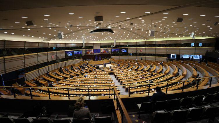 Une session au Parlement européen à Bruxelles, le 26avril 2021, devant une assemblée est vide. (DURSUN AYDEMIR / ANADOLU AGENCY VIA AFP)