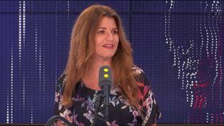 Marlène Schiappa, secrétaire d'État chargée de l'égalité femmes-hommes et de la lutte contre les discriminations, était l'invitée de franceinfo mardi 27 août. (FRANCEINFO / RADIOFRANCE)