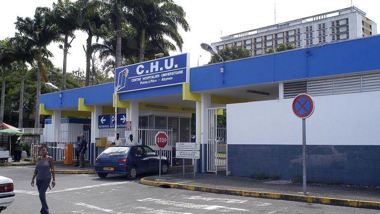 L'hôpital de Pointe-à-Pitre (Guadeloupe), le 27 août 2012. (SYLVERE SELBONNE / AFP)