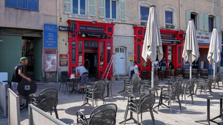 La terrasse d'un bar à Marseille, en juin 2020. (GILLES BADER / MAXPPP)