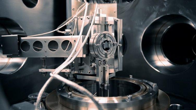 Un accélérateur d'électrons chez Minatec, le premier centre européen sur les nanotechnologies - 18/05/06 (AFP Jean-Pierre Clatot)