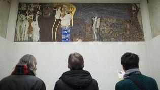 """La """"Frise Beethoven"""" de Klimt restera au Palais de la Sécession, propriété de l'Etat autrichien.  (PATRICK DOMINGO / AFP)"""