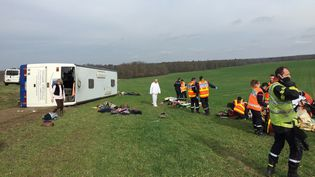 L'accident d'autocar a eu lieu entre Eauze et Manciet, dans le Gers. (MICHEL GABAS / FRANCE 3 OCCITANIE)