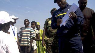 Le président burundais PierreNkurunziza vote dans son fief, le village de Buye, dans le nord du Burundi, le 21 juillet 2015. (BENJAMIN EVRARD / REUTERS)