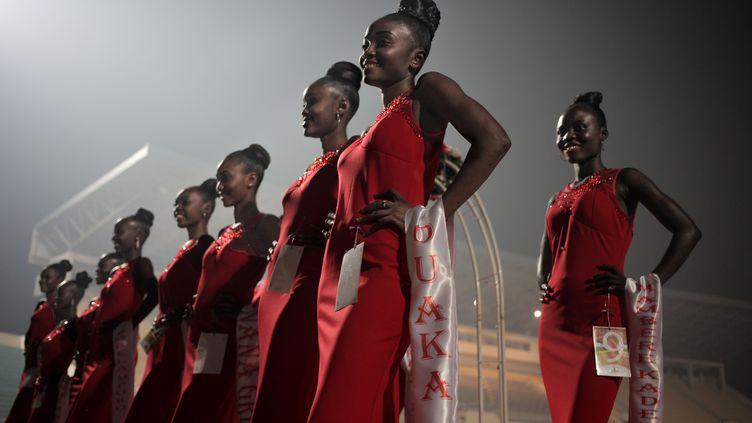 Les participantes au concours de beauté Miss Centrafrique, organisé à Bangui avec l'aide de la Russie, le 9 décembre 2018. (FLORENT VERGNES / AFP)