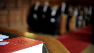 Jusque-là, la justice civileimpose uniquement aux fautifs d'indemniser les victimes, contrairement à la justice pénale qui prévoit des amendes. (MAXPPP)