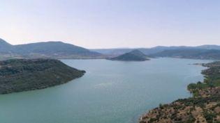 Le lac Salagou, en Auvergne (France 2)