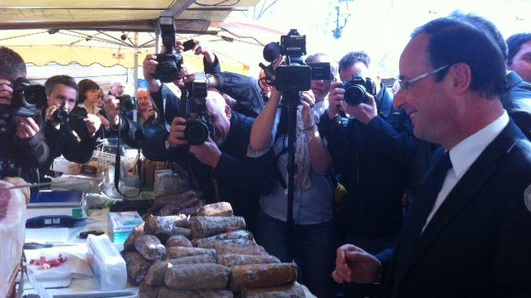 François Hollande sur le marché de Bastia (PIerre Magnan)