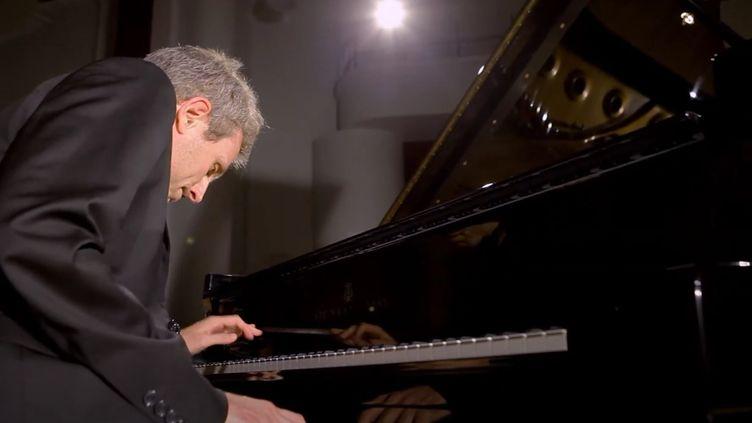 Le pianiste Maxime Zecchini en mai 2020. (MAXIME ZECCHINI)