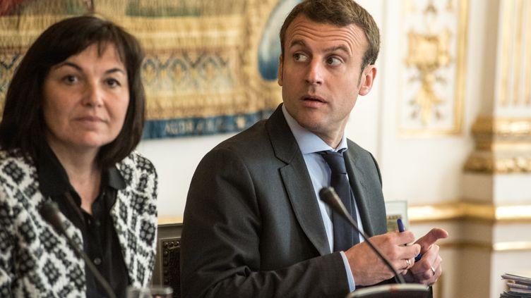 Le ministre de l'Economie, Emmanuel Macron, lors d'une réunion interministérielle à Matignon, le 12 mai 2016. (YANN KORBI / AFP)