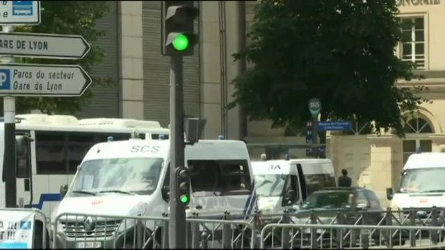 Rassemblement des salariés de GM&S Industry devant Bercy