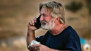 États-Unis : AlecBaldwinimpliqué dans un tir accidentel et mortel lors d'un tournage. (FRANCE 2)
