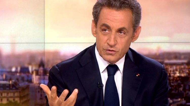 Nicolas sarkozy sur le plateau de France 2, le 19 septembre 2014. (FRANCE 2)