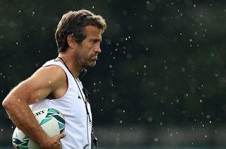 Fabien Galthié, entraîneur adjoint de l'équipe de France, lors d'un entraînement auFuji Hokuroku Park deFujiyoshida (Japon), le 10 septembre 2019. (FRANCK FIFE / AFP)