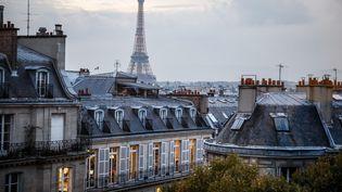 Vue de la tour Eiffel à Paris, le 8 novembre 2017. (MAXPPP)