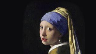 C'est un tableau mystérieux, troublant, l'un des plus célèbres du peintre hollandais Vermeer : La Jeune Fille à la perle. Exposé au musée de La Haye, des scientifiques l'ont passé au crible : qu'ont-ils découvert ? C'est le choix du 20 heures. (FRANCE 2)