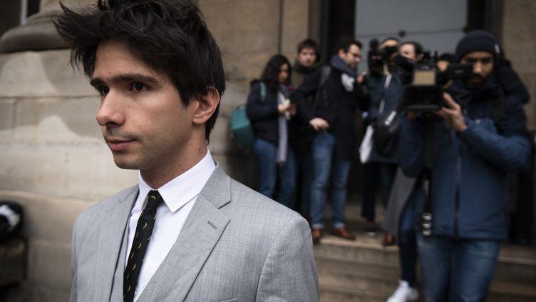 L'avocatJuan Branco, en mars 2020, au palais de justice de Paris. (LIONEL BONAVENTURE / AFP)