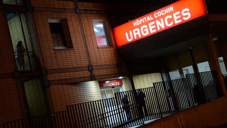 Le docteur Franck Perruche achoisi d'abandonnerles urgences de l'hôpital Cochin parce qu'il trouvait les gardes, les horaires, les prises en charges difficiles usantes. (PIERRE ANDRIEU / AFP)
