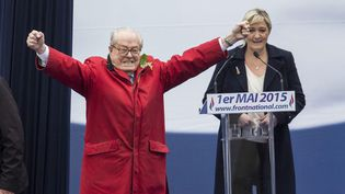 Jean-Marie Le Pen et Marine Le Pen, le 1er mai 2015, à Paris. (MAXPPP)