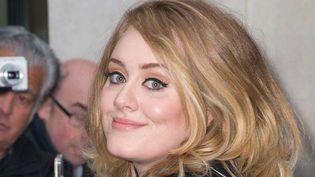 """Adele fait la promo de sa dernière chanson, """"Hello"""", à Londres, à Radio 2 (23 octobre 2015)  (Mario Mitsis / wenn.com / SIPA)"""