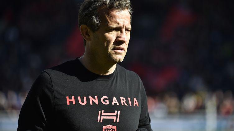 Christophe Galthié, alors entraîneur de Toulon, lors d'une rencontre de Top 14 sur le terrain du LOU, le 3 mars 2018 à Lyon. (ROMAIN LAFABREGUE / AFP)